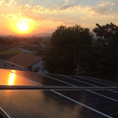 Redução de gastos na conta de luz pode chegar a 95% com energia solar fotovoltaica
